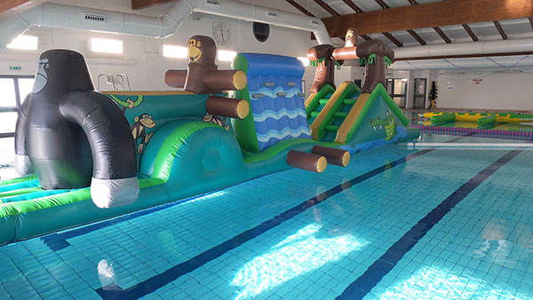 Swimming pools in gillingham dorset riversmeet - Holidays in dorset with swimming pool ...